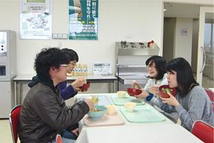 学生食堂・総合サービスセンター:福利厚生施設 | 学生生活 ...